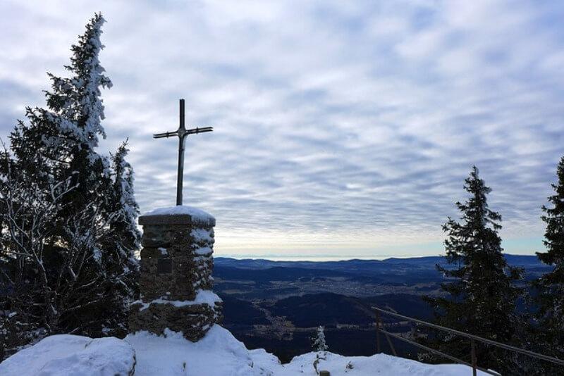 crkva marinica najmanja u srbiji header grckaisrbija