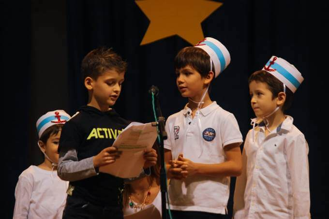 božićna priredba učenika grčke škole u beogradu 2 grckaisrbija