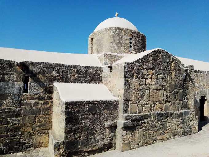 mesto na kome je rođena boginja afrodita 2 grckaisrbija