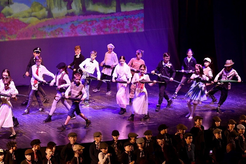 kroz zabavu do talenta header grckaisrbija